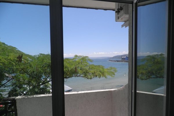 Oasis_hotel_balcony