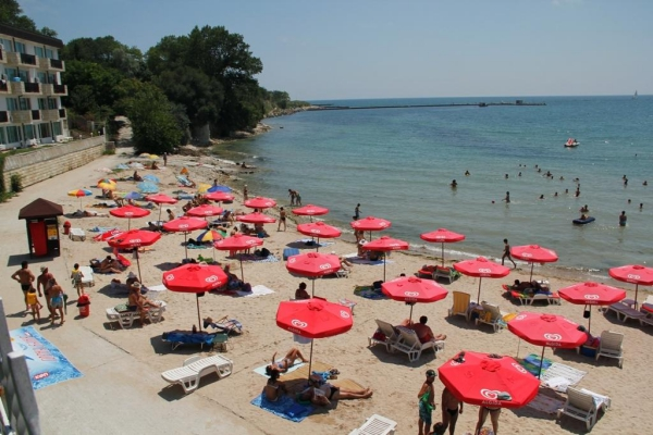 Oasis_hotel_beach