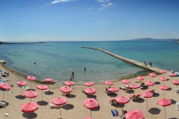 Oasis_hotel_beach1