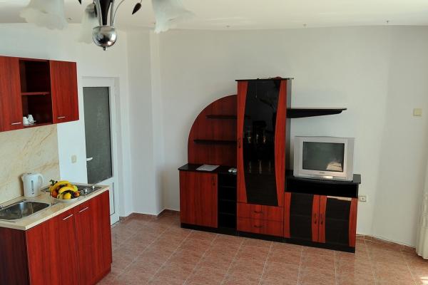 Oasis_hotel_kitchenette