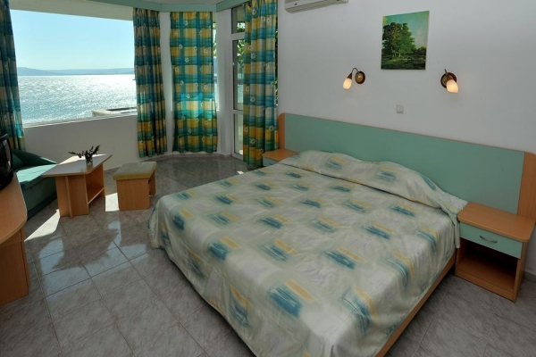 Oasis_hotel_double_room_large