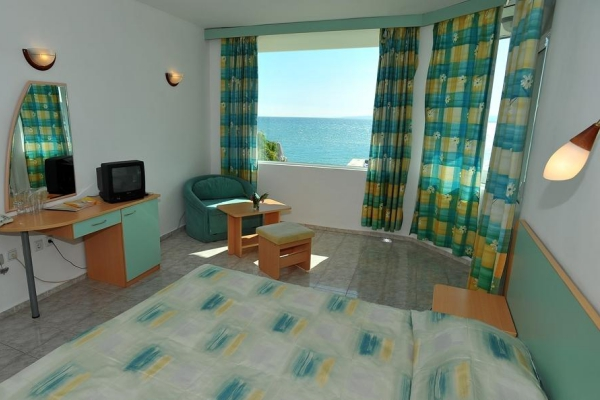 Oasis_hotel_double_room_large1